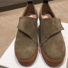 Helt nye sko aldrig brugt.