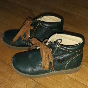 Super lækre bløde skind støvler fra Falcotto. Støvlen er uden foer.  Perfekte til en smal fod. Fra røg og dyre frit hjem.