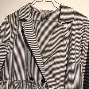 Stribet / skjorte kjole m. krave