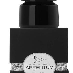Dag- og natcreme fra Argentum Apothecary - 14 ml. Nypris 36£ (300 kr).  Pakken er stadig plomberet og helt ny og uåbnet.   Bytter ikke.