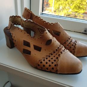 Ægte læder Vintage sko De er brugt og derfor sat til shabby,. De fejler ikke noget
