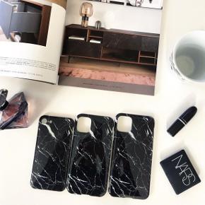 ⭐️ NYE COVERS TIL SALG ⭐️  Fantastisk kvalitet af blød silikone, som er utrolig nemt at tage af- og på 🤩 De passer perfekt til din iPhone og beskytter din iPhone virkelig godt📱De er vandafvisende samt modstandsdygtige overfor fingeraftryk💧👋🏼 De er desuden kompatible med trådløs opladning🔌  Det er fra Emma Victoria Copenhagen  STØRRELSER 📱iPhone 6 / 7 / 8 / SE 📱iPhone 11 📱iPhone 11 Pro Max  💸 PRISER 💸 Pris for 1 cover er 100,-   🚚 1-2 hverdages levering med DAO 🏭 Meget begrænset lager  Spørg endelig 😄