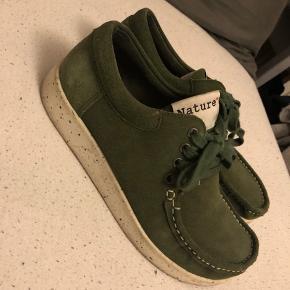 9d0236ec483c Pæne og velholdte Nature sko. De er brugt omkring 10 gange. Mærket på sålen