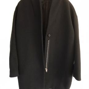 Stadig fin og skøn oversize jakke/frakke