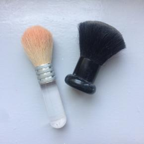 Makeup børster I fin stand  Skal væk NU! 5kr!
