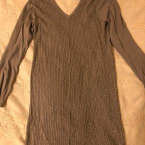 Jumper dress with sequins from Liu Jo Jeans. Worn only once.