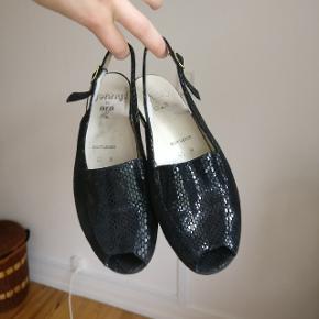 Fine vintage sko. Står 37,5, men vil mere mene, at det er en regulær 37.