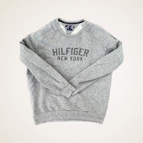 Tommy Hilfiger sweater