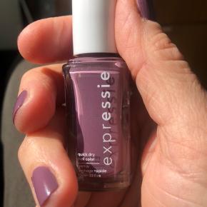 """Essie Quick dry no 220 """"Get a mauve on"""". Prøvet denne ene gang, farve ikke som ønsket. Købt i Matas for 90, sælges for 65kr"""