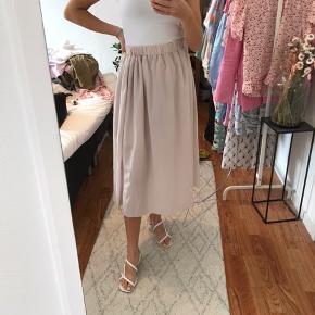 Rigtig fin nederdel fra Samsøe & Samsøe🤩