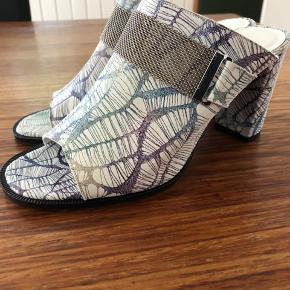 Lækker behagelig mule sko fra Ana Sousa med god hæl og lavet i lækkert blødt skind.