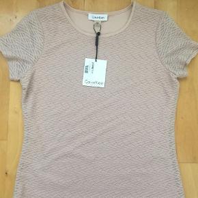 Varetype: Bluse Farve: Rosa Oprindelig købspris: 499 kr.