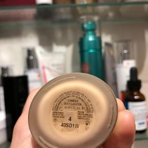 Gorgio Armani luminous silk foundation, opened 3 months ago, used one time. Validity 12 months after opening.
