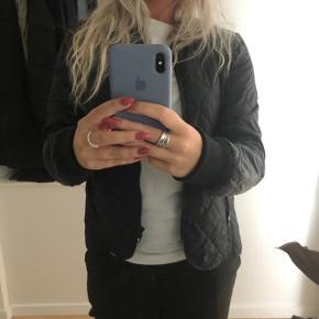Fed quilted jakke fra ONLY ✨ bytter ikke