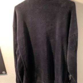 Jeg sælger mine Adidas Velour Track Jacket. Modellen hedder Beckenbauer.  Nyprisen er 900,- DKK, så gør et steal.
