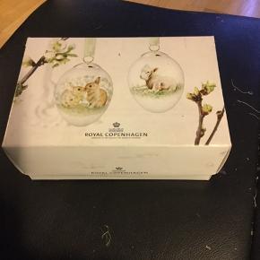 Royal Copenhagen 2 stk. i dobbeltæske med rede og bånd Samler objekt — ikke så ofte ril salg  2013 HAREKILLING /LAM (1249 928) Sender + Porto
