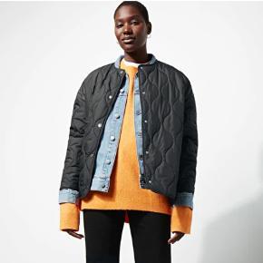 Weekday LUND jakke, brugt 3 gange. Kan også hentes på Frederiksberg :))