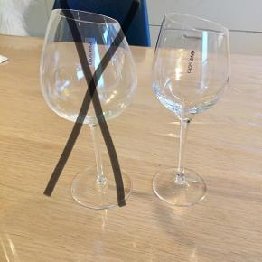 Har 5 Sauvignon Blanc hvidvinsglas som jeg sælger samlet til 200 kr. Fremstår stort set helt som ny, da de kun er brugt få gange. Sender ikke.