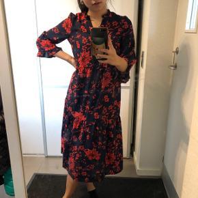 Smuk kjole fra Vero Moda Str: xs