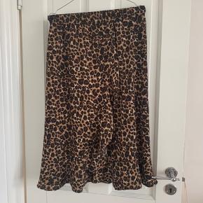 Leopard nederdel str 36