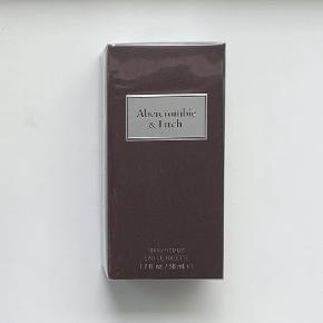 Abercrombie & Fitch First Instinct 50 ml. Jeg sælger denne ubrugte og uåbnede parfume. Jeg er villig til at forhandle om prisen, dog frabeder jeg mig useriøse bud.
