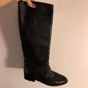 Vintage læderstøvler.