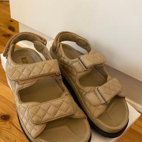 Bukela sandaler
