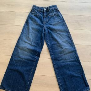 Ubrugte CLOSED jeans i str.25.