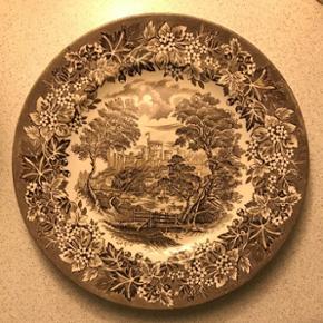 8stk middags tallerkener fra Windsor. Sælges samlet for 150kr.