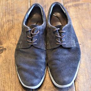 Sælger min sko fordi jeg bruger dem ikke mere. Fejler ingenting.