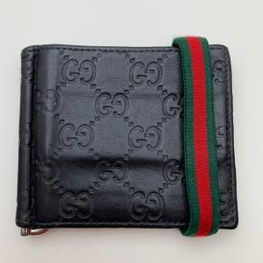 Gucci herrepung - god stand!  Har kostet ca. 2500, sælges til 1100kr!!!! Også plads til sedler.