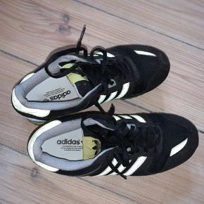 Fede Adidas sneakers!