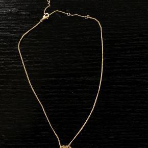 Flot guld Pilgrim halskæde, med justerbar længde.