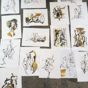 Jeg tegner croquis og udstiller pt på VIA University College. Jeg har valgt at sælge ud af mine værker. Skriv endelig, hvis der er spørgsmål.   Værkerne er A3 og er tegnet med blæk i sort og guld