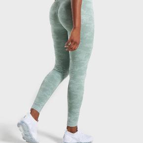 Super lækre og elastiske træningsbukser fra Gymshark! Fitter S/M