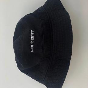 Carhartt bøllehat🖤  Str m / l (Er ikke stor i str og kan sagtens passes af xs / s også)  Brugt 1 gang og fejler intet  Np 399kr  Byd!