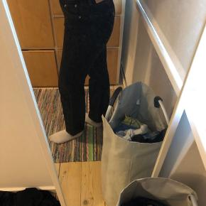 Levis jeans str small men kan også passes af en lille medium
