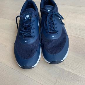 Nike mørkeblå i super flot stand