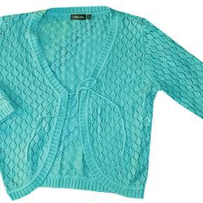 Sød strik fra Visual i str 42/44, blusen er i 55% acryl og 45% bomuld og har 3/4 lange.  ærmer. Brugt men i fin stand.  #30dayssellout