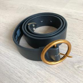 ASOS faux leather 'old gold buckle belt in size S. Worn 2 times, good condition, just some minor scratches.