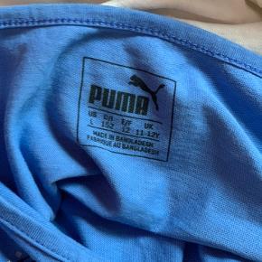 Blå t-shirt fra puma. Er brugt, men det kan ikke ses💖