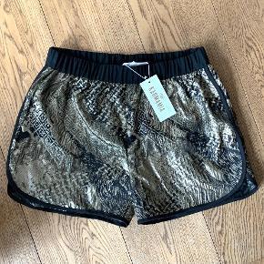 Karmamia shorts