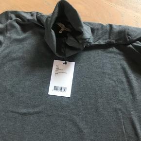 Rullekrave bluse fra Ganni Brugt et par gange Nypris 899kr