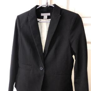 Sort habitjakke / suitjacket fra H&M 🖤🖤