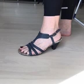 Hispanitas sandal - super komfort, virkelig lækker sandal. Nypris 1100,-