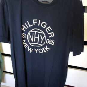 3 flotte t shirt sælges   Tommy Hilfiger 100 pr stk Boss 150
