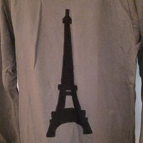 Grøn/grå langærmet trøje fra Moss Copenhagen med Eiffeltårnet 🗼