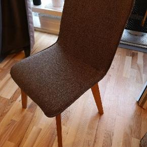 2 stykke grå spisebordstoler fra JYSK   nypris: 400 pr stk.  Pris: 80 sammenlagt for 2 stoler  OBS kan kun hentes d. 27-29 agust