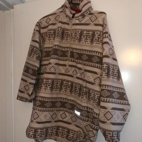 Invicta sweater
