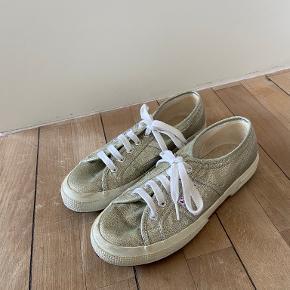 Superga heels